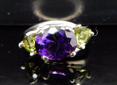 Vintage Sterling Silver 3.30cttw Oval Amethyst w/Trillion Peridot 3 Stone Ring