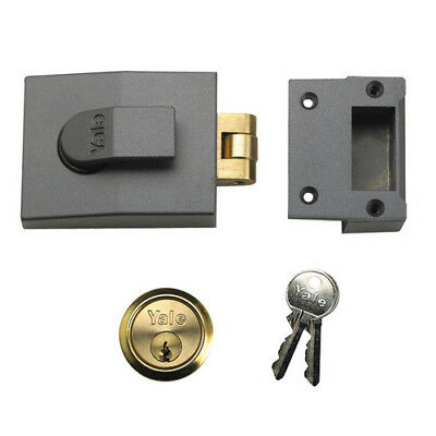 Yale B-81-DMG-PB-60 Roller Bolt Nightlatch 60mm Brass Cylinder Grey Case