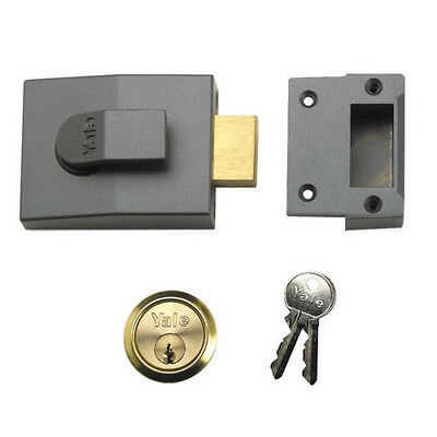 Yale B-82-DMG-PB-60 Dead Bolt Nightlatch 60mm Brass Cylinder Grey Case