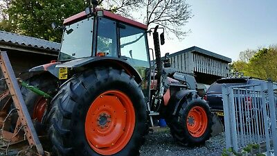 Kubota M105s 4wd tractor 07 plate. Recent new quicke loader low hours. No vat