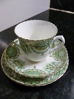 Vintage Sutherland Bone China Trio Green & Gilt With Scalloped Edges