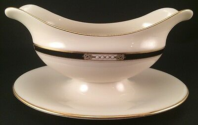Lenox Hancock Gravy Boat Presidential Collection Gold Attached Underplate USA