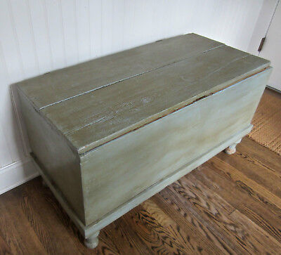 Antique Handmade Wooden Primitive Country Storage Trunk Coffee Table Storage