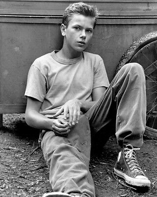 River Phoenix [1040814] 8x10 photo other sizes inc Poster)