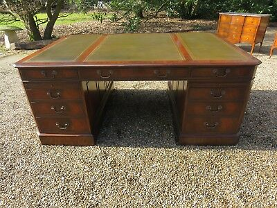 Fully Restored Excellent Quality  Georgian Style Partners Desk