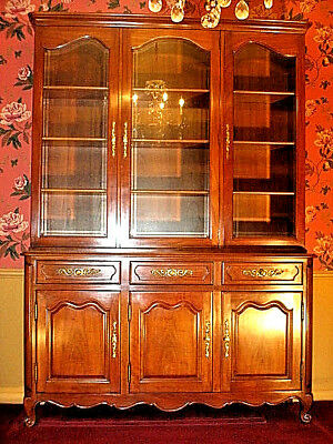 KINDEL Dining Buffet China Cabinet Grand Rapids Milano French Prov 31-25, 31-52