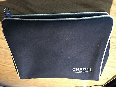 417759f41481 CHANEL COSMETIC BAG MAKEUP TRAVEL ORGANIZER CASE BLACK w/ gold ...
