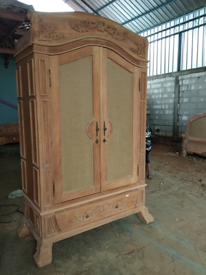 Exclusive - Deeply Hand carved French Rococo style wardrobe - Painted to order