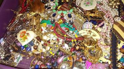 Huge 25+ Pc Vintage Costume Modern Jewelry Estate ALL GOOD Mix Resell Wear Lot