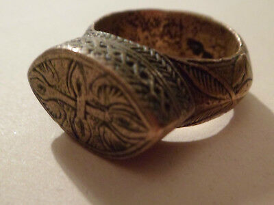 HEAVY, SOLID BYZANTINE MEN'S BRASS RING.  23.8g