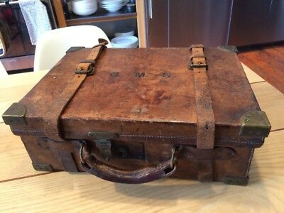 Charles Lancaster Antique WW1 Leather and Brass-Bound Oak Cartridge Case