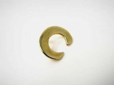 "Vintage Collectible Pin: Letter C ""C"" Gold Tone Design"