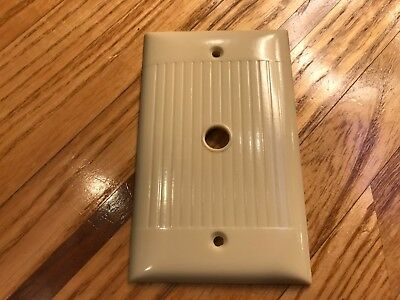 Vintage Sierra Ivory Ribbed Single Gang Tv / Phone / Plate Cover Deco (D-11) New
