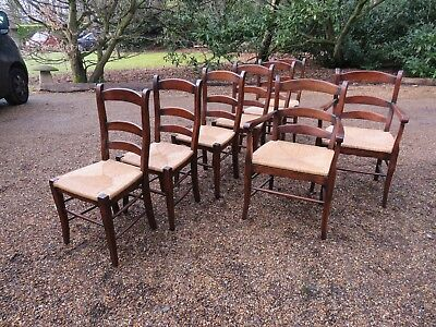 Set Of 8 Oak Ladder Back Dining Chairs With Rush Seats In Excellent Condition