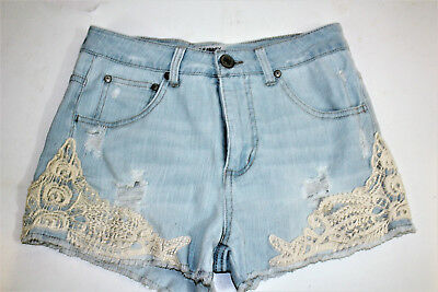 Celebrity Pinkjeans Womens Misses shorts 5 casual lace distressed light wash