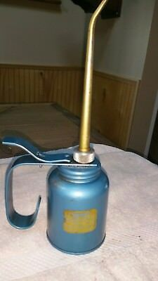 Vintage EAGLE RAINBOW PUMP OILER 10OZ. Capacity