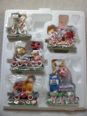 5 Pc Danbury Mint PEANUTS / SNOOPY Valentine Express Train NIB
