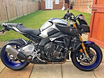 YAMAHA MT10 SP MT10SP FZ10 better than new with EXTRAS 981 miles