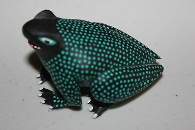 Very Intricate ~~HAND CARVED & PAINTED  FROG  Artist Signed  Victor Xurna
