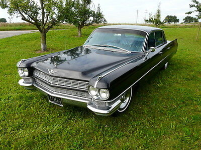 1964 CADILLAC SEDAN HARTOP Black-Limusine Mafia Staff Car