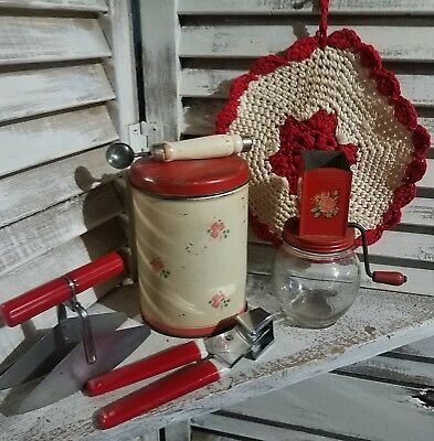 VINTAGE KITCHEN LOT of 6~ UTENSILS ~ SPICE MILL DECOR~ TIN~SCOOP RED *WHITE