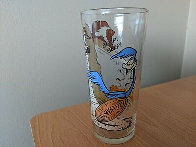 Road Runner and Wile. E Coyote Pepsi Collector Drinking Glass Vintage 1976
