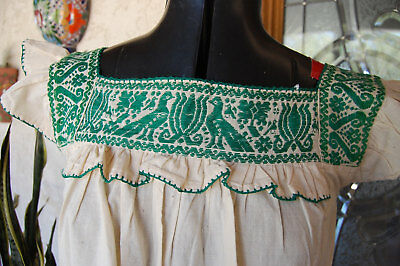 Frida HUIPIL Mexican Peasant Top Blouse Embroidered Cotton Shirt Vintage