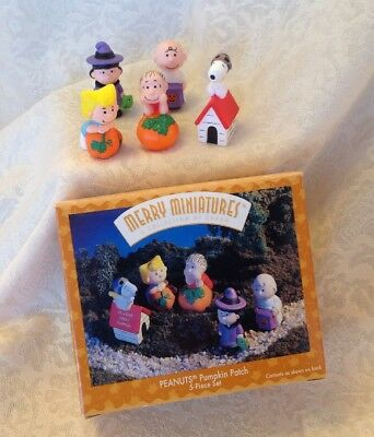 1996 Hallmark Merry Miniatures Peanuts Pumpkin Patch 5-Piece Set of Figurines