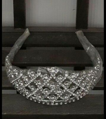 carnival/pagent crown / tiara silver very sparkly
