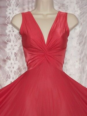 Exquisite Vintage Olga True Twist Coral Red Bodisilk Nightgown Sz S-M Bust To 40