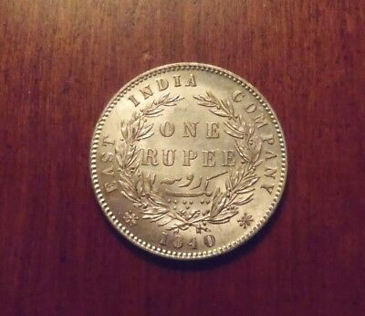 - 1840 East India Company Victoria A UNC. Silver Rupee Type II -divided legend