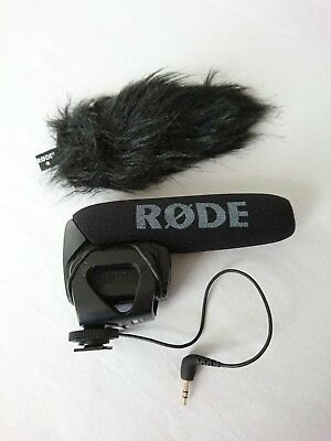 Rode VideoMic Pro (shotgun microphone) with Shockmount & RODE DEADCAT WINDSHIELD
