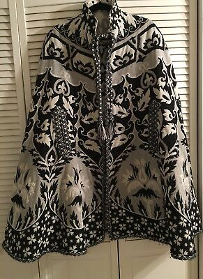 Make An Offer! Vintage 1970s Tapestry Cape/Coat Boho Poncho Style Blk Grey White