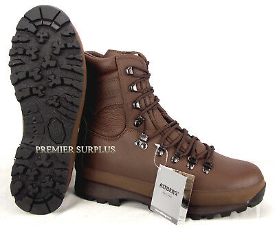 Genuine British Army Issue Altberg Defender Brown Boots, NEW Size 8M