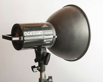 """Norman LH2400 Strobe with Cooling Fan, 10"""" Reflector"""