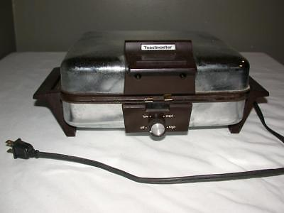 Vintage Chrome Toastmaster Square Waffle Iron #269A Removable Plates Works