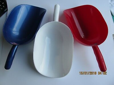 large plastic scoops 3 x  1kg