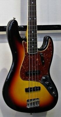 Fender Custom Shop 1966 Jazz Bass ® JourneyManRelic 3TS with hard case USED