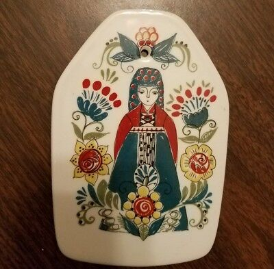 Vtg Figgjo Flint Norway Trivet Wall Plaque Norsk Saga Queen Woman Hand Painted