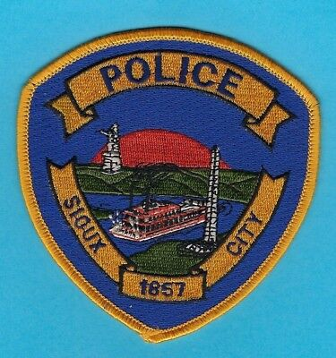 Sioux City Police Department Patch ~ Iowa ~ Very Nice Artwork & Colors ~ L@@k