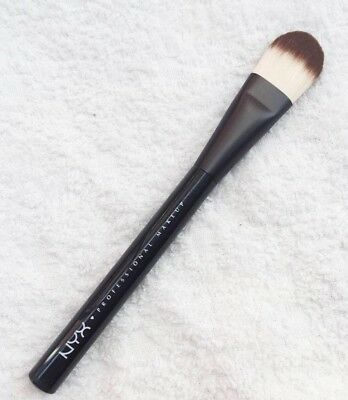 Nyx pro flat foundation brush prob07