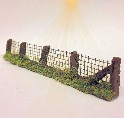 Javis PF12 Premier Wire Mesh Fencing Sections  x 5 Pieces  HO OO Gauge