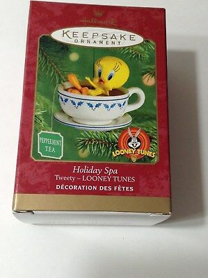Hallmark Keepsake Holiday Spa Tweety Looney Tunes Ornament  2001
