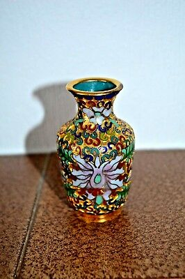 Small Chinese cloisonne vase