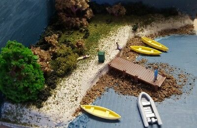 N scale..... 2 x Canoes unpainted with free gift