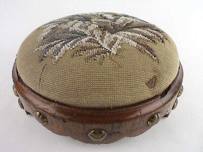 788 OLD VICTORIAN FOOTSTOOL CHAIR WOOD EMBROIDERY BEADS ENGLAND 1900s museum