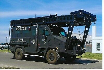 New York City Police Dept Emergency Service Unit Lenco Bearcat 4X6 Color Photo