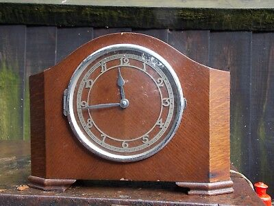 Smiths English Clocks (SEC) Chiming 1930's  Oak mains mantel clock
