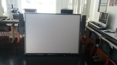 """SB680 SMART BOARD 77"""" INTERACTIVE WHITEBOARD with free faulty projector UF75"""