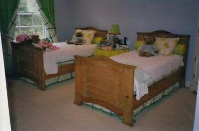 Pair Of English Antique Pine Beds - Twin